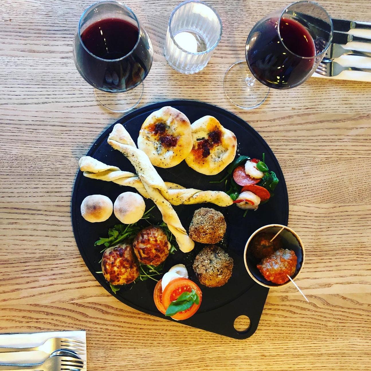 Breads + Mixed Platter | Pizza + Pasta Crewe | Gios Crewe | Cheshire